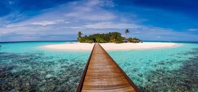 île ciel bleu mer turquoise